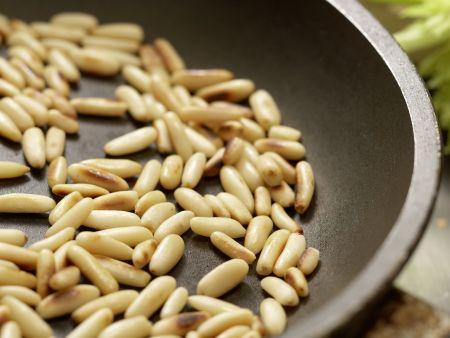 Putenstreifen auf buntem Salat: Zubereitungsschritt 9