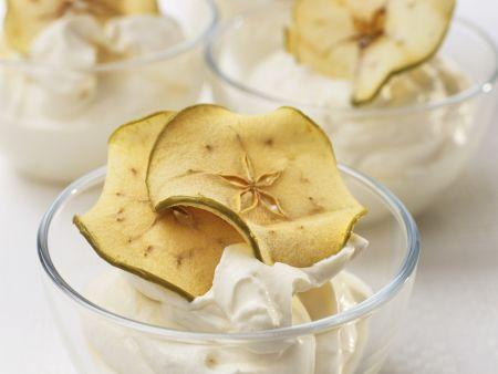 Quarkcreme mit Calvados dazu Apfelscheiben