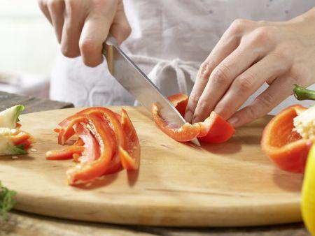 Quarkklöße auf Paprikagemüse: Zubereitungsschritt 2
