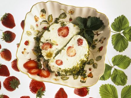 Quarkterrine mit Erdbeeren