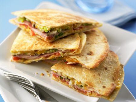 Quesadillas mit Schinken und Käse