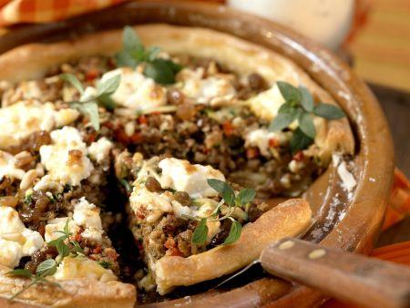 Quiche mit Lammfleisch, Rosinen, Pinienkernen und Feta