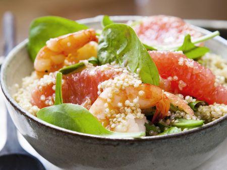 Rezept: Quinoasalat mit Spinat, Grapefruit und Garnelen