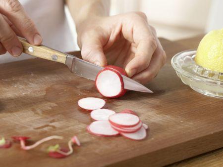 Radieschen-Kartoffel-Suppe: Zubereitungsschritt 6