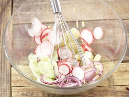 Radieschen-Sprossen-Salat: Zubereitungsschritt 7
