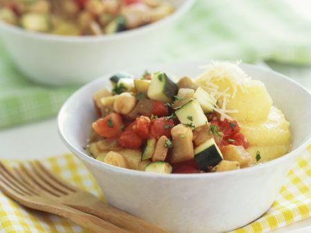 Ratatouille-Gemüse mit Maisbrei