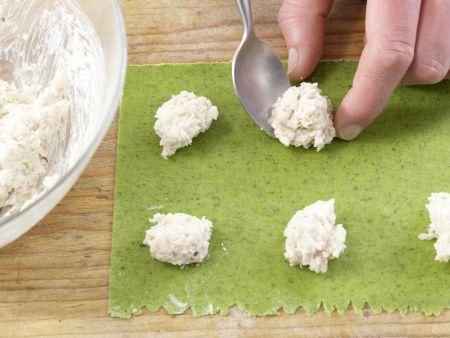 Ravioli mit Hähnchenfüllung: Zubereitungsschritt 8