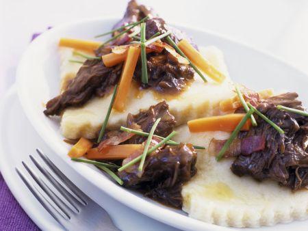 Rezept: Ravioli mit Zwiebeln dazu Ochsenschwanzragout