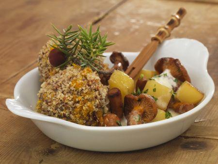 Rehknödel mit Kartoffeln und Pfifferlingen
