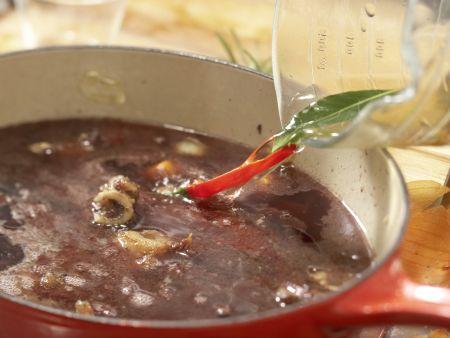 Rehrücken mit Chili-Schoko-Sauce: Zubereitungsschritt 4