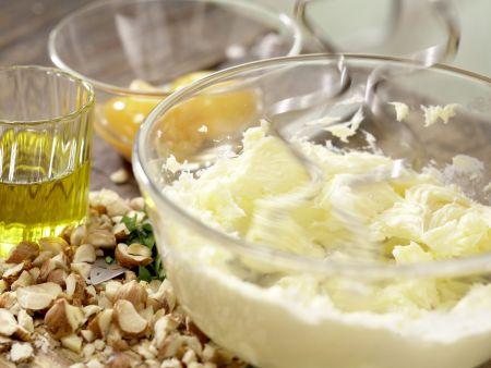 Rehrücken mit Kräuter-Nuss-Kruste: Zubereitungsschritt 2