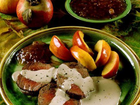Rehrücken mit cremiger Sauce