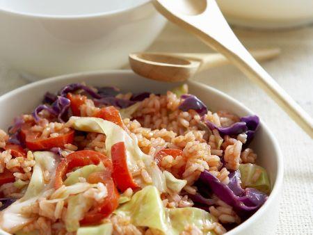 Reis mit Gemüse, Kohl und Paprika