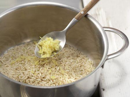 Reisauflauf mit Kirschen: Zubereitungsschritt 1