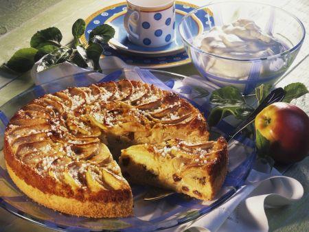 Reiskuchen mit Apfel und Rosinen