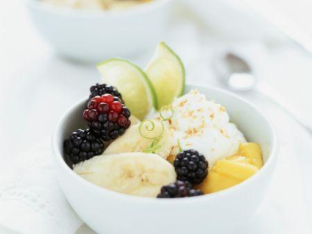 Ricotta-Kokos-Creme mit Obst