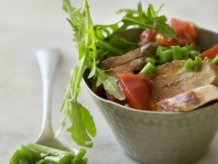 rindermedaillons mit bohnen rucola salat und tomaten rezept eat smarter. Black Bedroom Furniture Sets. Home Design Ideas