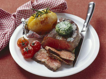 Rindersteak mit Kräuterbutter und Ofenkartoffel