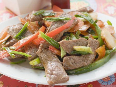 Rindfleisch-Paprika-Pfanne auf asiatische Art