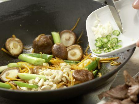 Rindfleisch-Shiitake-Wok: Zubereitungsschritt 10