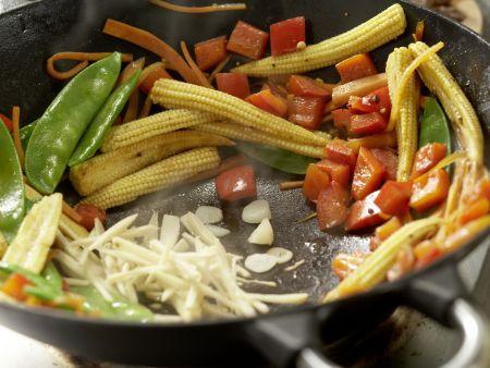 Rindfleisch aus dem Wok: Zubereitungsschritt 11