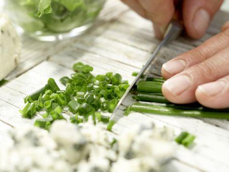 Römersalat mit Roquefort: Zubereitungsschritt 6