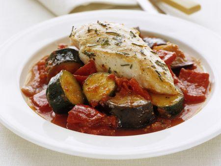 Rosmarin-Hähnchenfilet mit Zucchini-Paprika-Gemüse