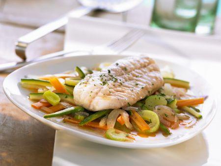 Rotbarsch mit Gemüse und Safranbutter