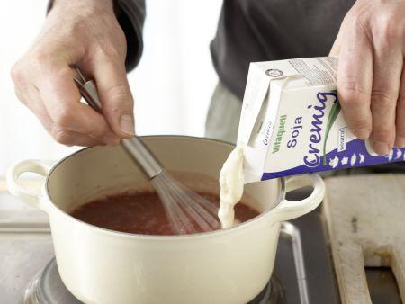 Rote-Bete-Suppe mit Kartoffeln: Zubereitungsschritt 4