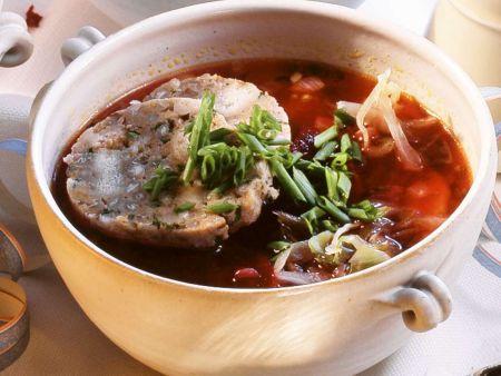 Rote Bete Suppe mit Klößen