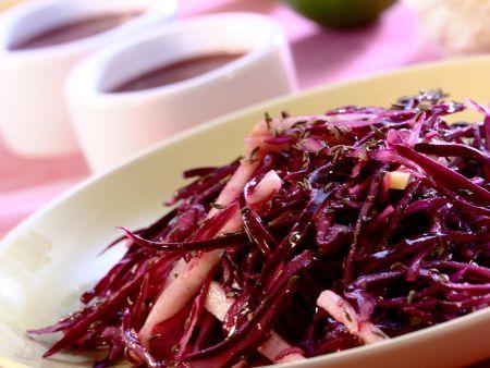 Rezept: Rotkohlsalat mit Apfel