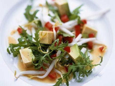 Rucola-Avocadosalat mit Tomatendressing