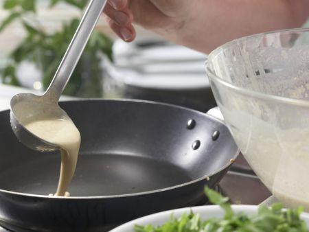 Rucola-Pfannkuchentorte: Zubereitungsschritt 5