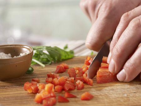 Rucolasalat mit Oliven-Crostini: Zubereitungsschritt 5