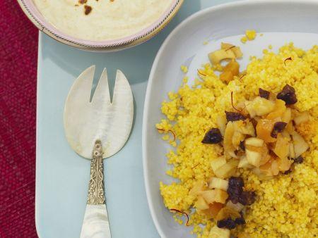 Safran-Couscous mit getrockneten Früchten