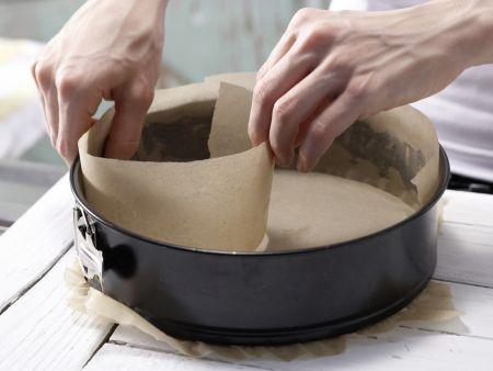 Saftiger Möhren-Nuss-Kuchen: Zubereitungsschritt 1