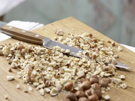 Saftiger Möhren-Nuss-Kuchen: Zubereitungsschritt 2