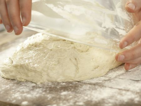 Saftiges Weizenbrot: Zubereitungsschritt 3
