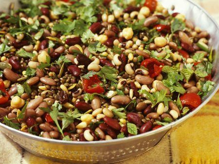 Salat aus fünf Sorten Bohnen