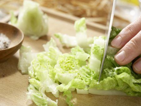 Salat mit Chili-Huhn: Zubereitungsschritt 4
