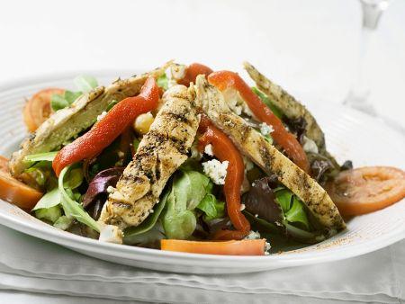 Salat mit gebratener Hähnchenbrust