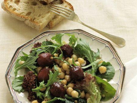 Salat mit Kichererbsen und Roter Bete