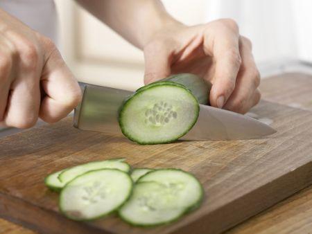 Salatplatte mit pikanten Herzen: Zubereitungsschritt 4