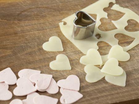 Salatplatte mit pikanten Herzen: Zubereitungsschritt 7