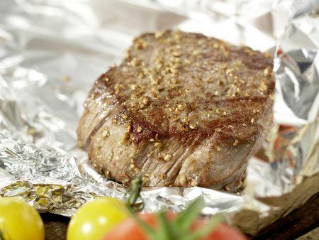 Salatschüssel mit scharfen Rinderfiletscheiben: Zubereitungsschritt 4