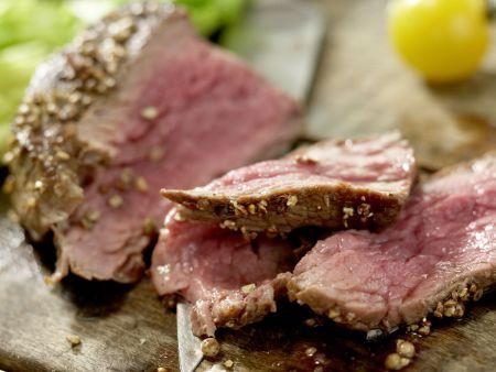 Salatschüssel mit scharfen Rinderfiletscheiben: Zubereitungsschritt 9