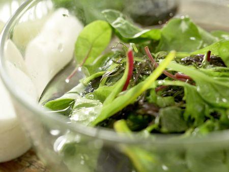 Salatschüssel mit Wassermelone: Zubereitungsschritt 2