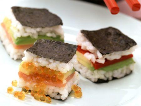Sandwichs im Sushi-Stil mit Sojasoße