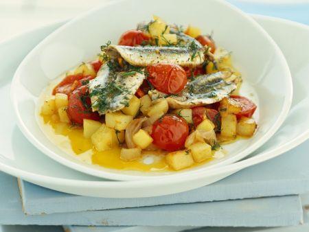 Sardellenfilets auf Tomaten-Kartoffel-Ragout