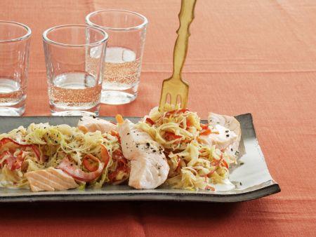 Sauerkrauteintopf mit Porree und Lachs